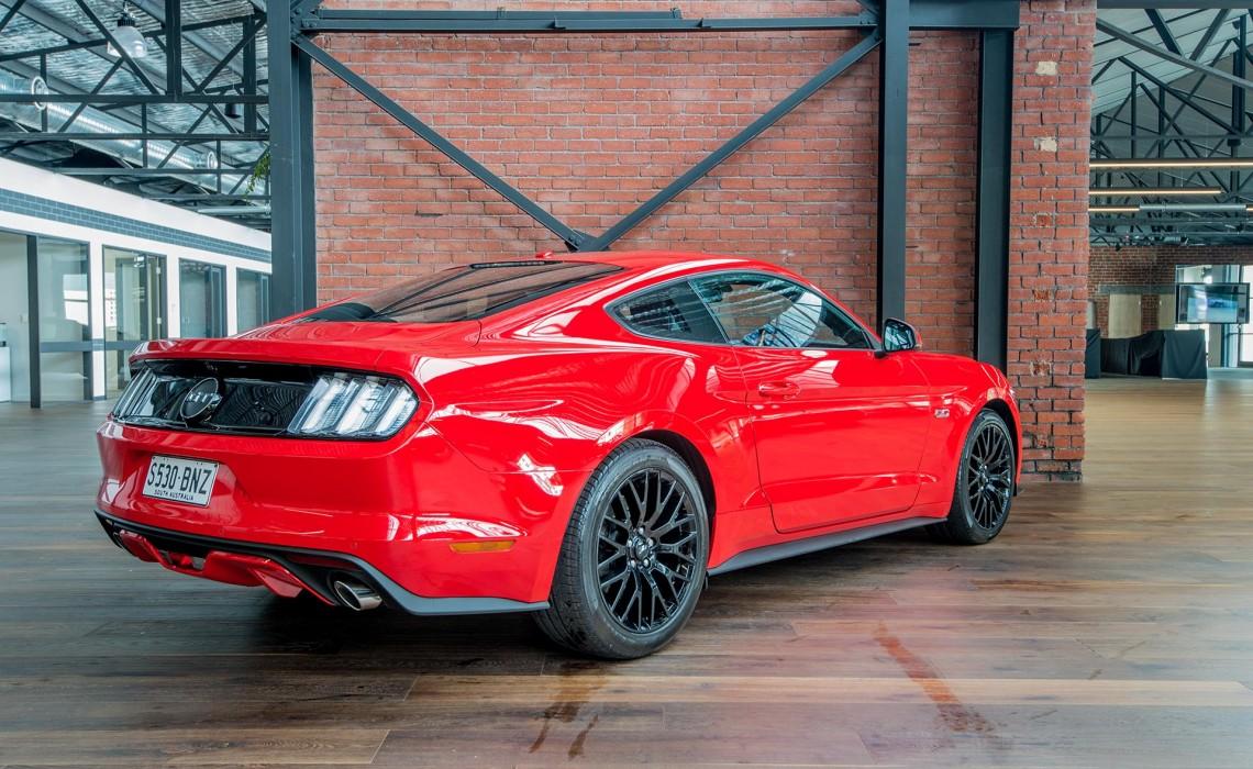 MY17 Mustang 5.0 V8