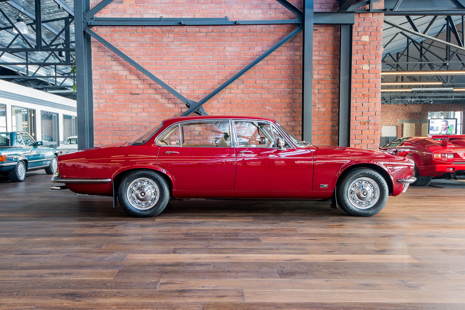 1974 Jaguar Xj6 L - Richmonds - Classic And Prestige Cars - Storage And Sales