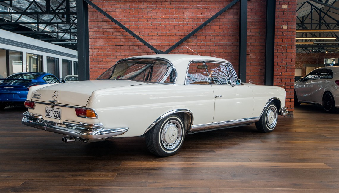 1964 Mercedes Benz 220 SE Coupe