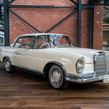 1964 Mercedes Benz 220 SE Coupe