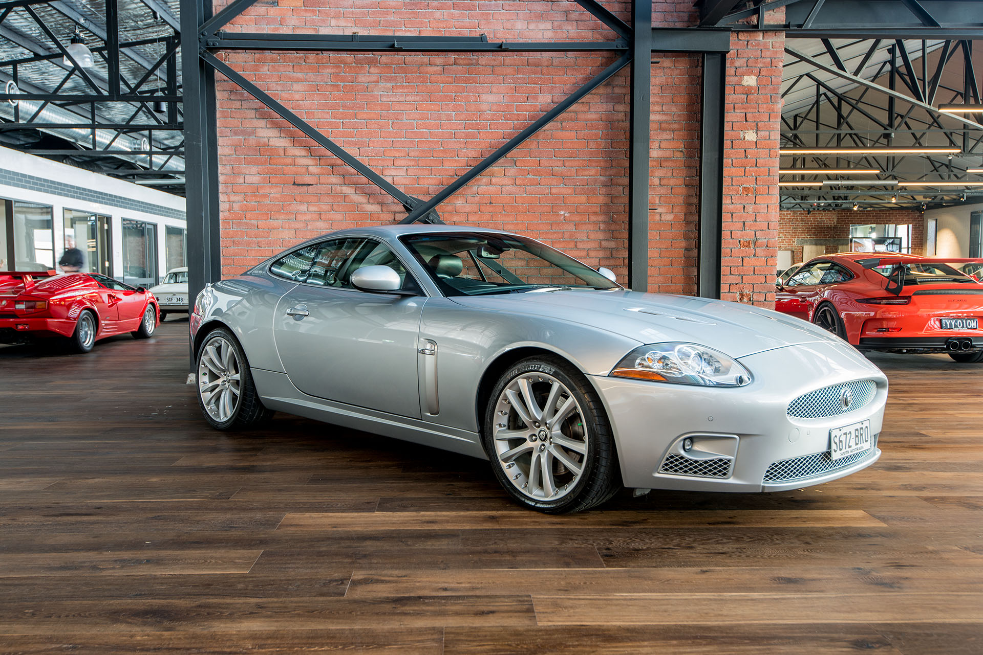 2007 jaguar xkr coupe richmonds classic and prestige. Black Bedroom Furniture Sets. Home Design Ideas