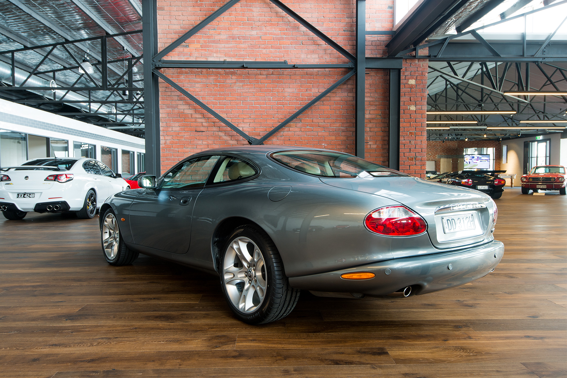 2003 jaguar xk8 coupe richmonds classic and prestige. Black Bedroom Furniture Sets. Home Design Ideas