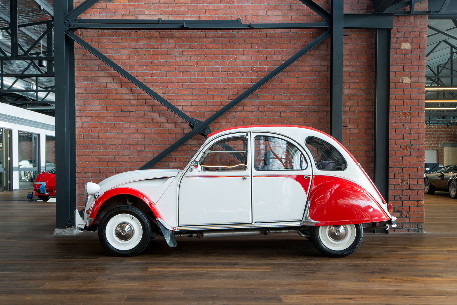 citroen 2cv dolly richmonds classic and prestige cars. Black Bedroom Furniture Sets. Home Design Ideas