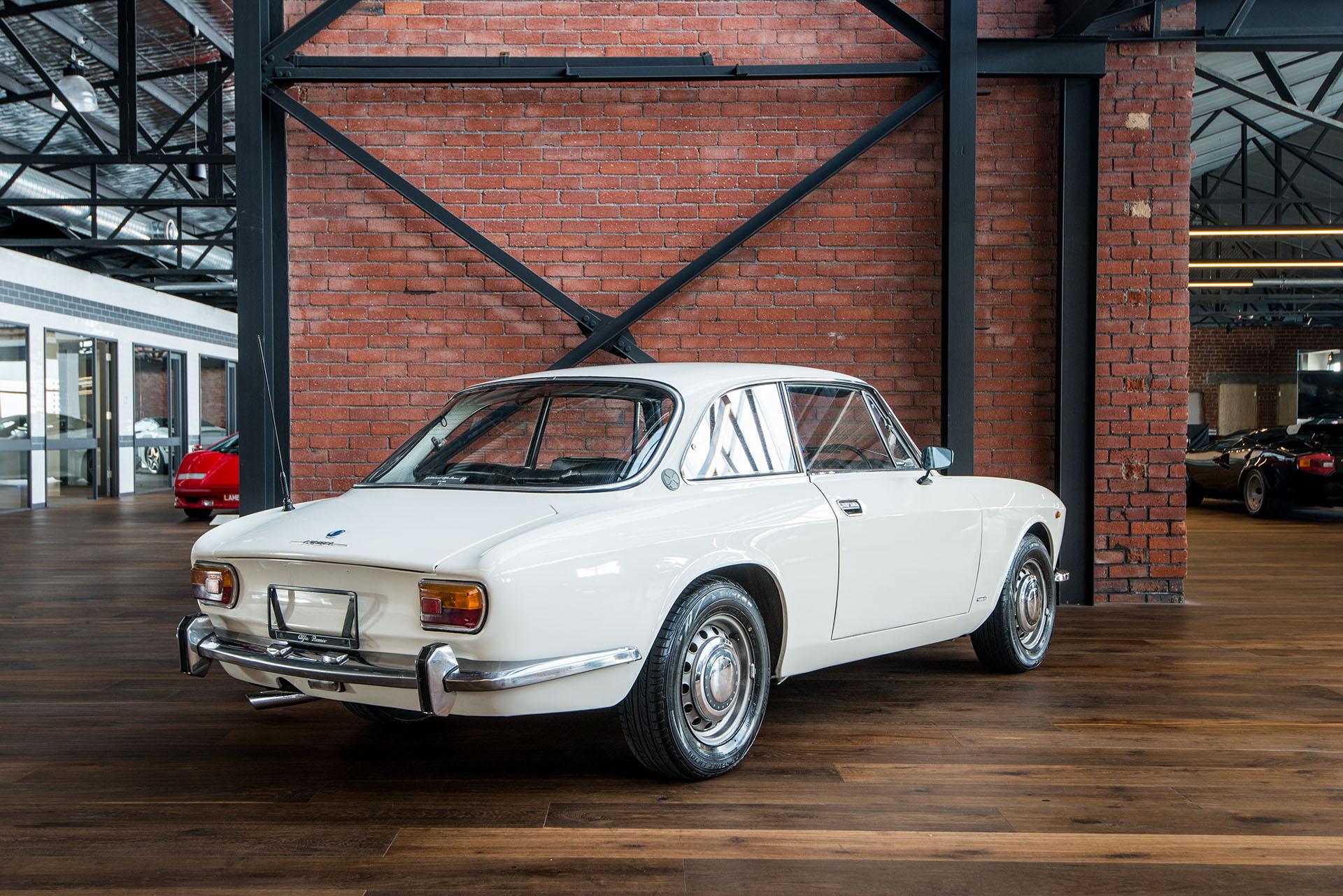 Free Used Car >> 1971 Alfa Romeo 1750 105 GT Veloce Coupe - Richmonds ...
