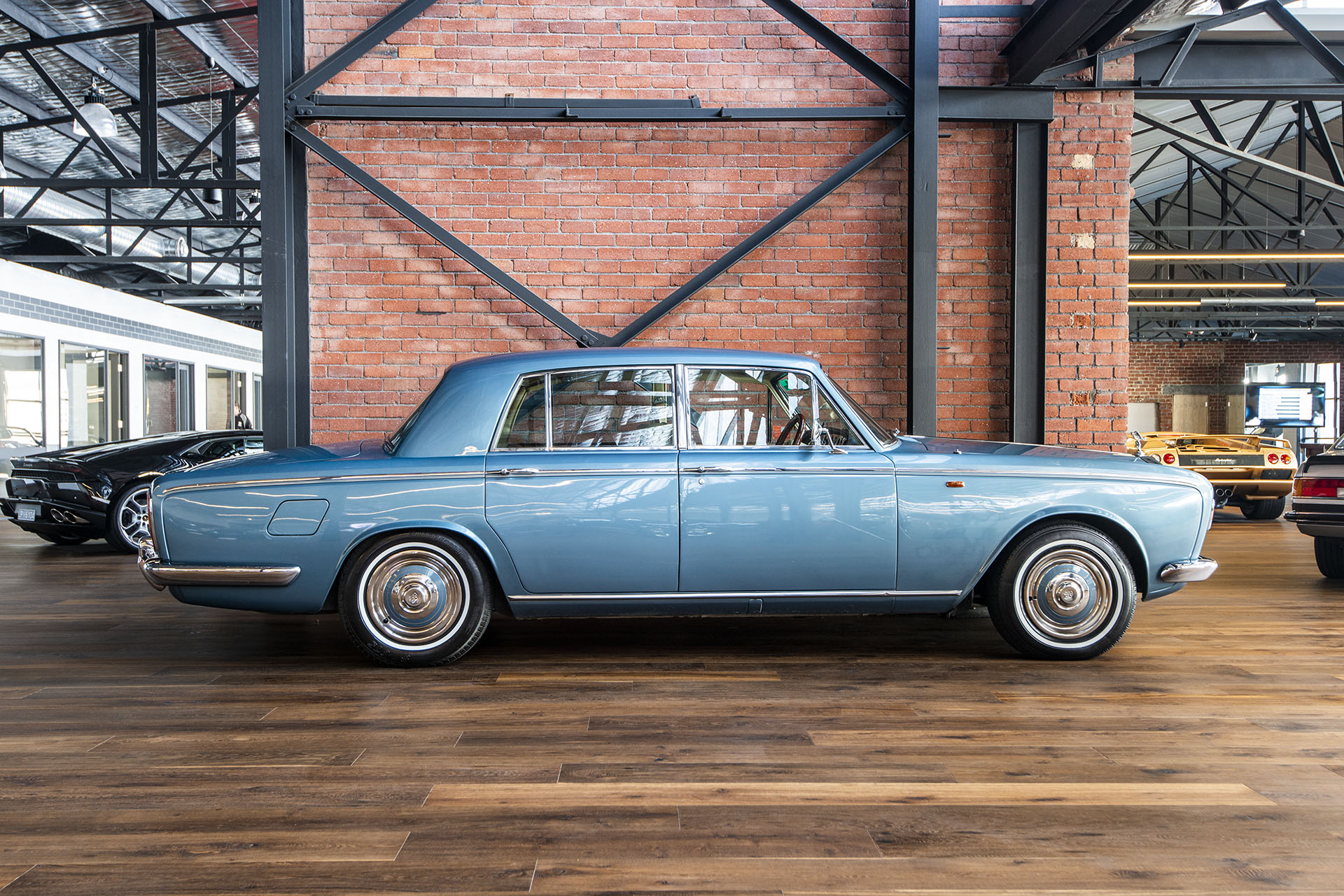 1969 Rolls Royce Silver Shadow Mk 1 - Richmonds - Classic And Prestige Cars