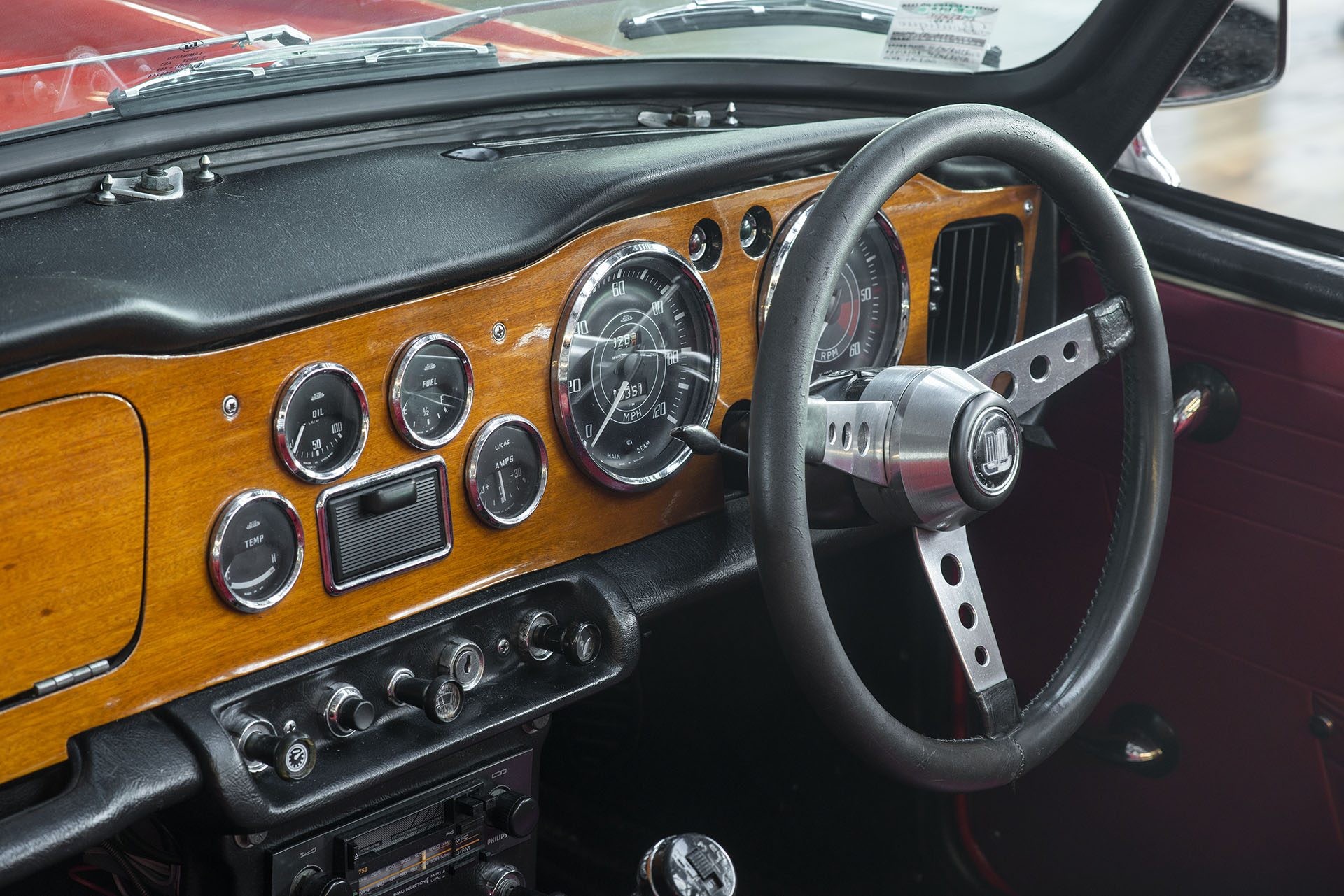 1965 Triumph TR4A IRS - Richmonds - Classic and Prestige