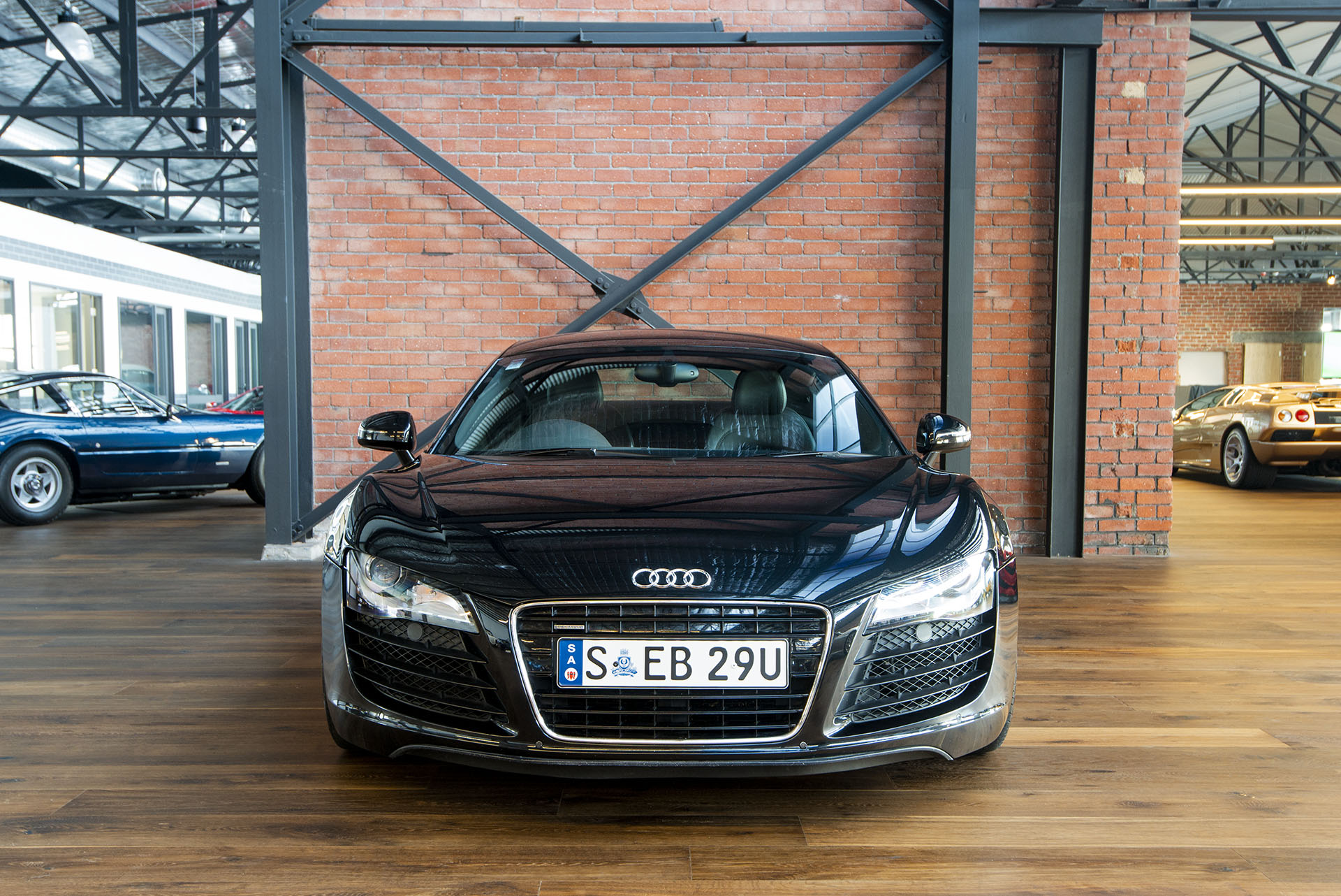 2007 audi r8 manual coupe richmonds classic and prestige cars storage and sales adelaide. Black Bedroom Furniture Sets. Home Design Ideas