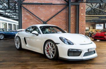 2016 Porsche Cayman 981 GT4