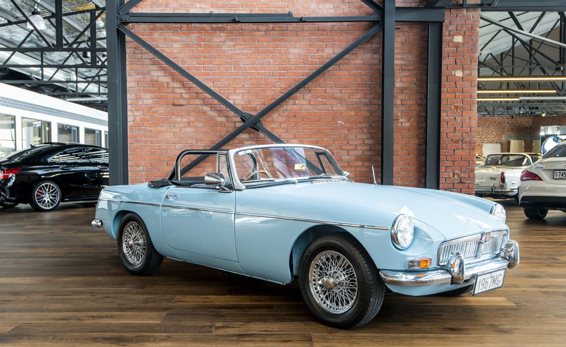 1967 MGB Roadster Manual