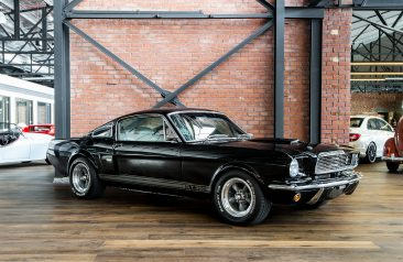 Shelby mustang gt350 replica black