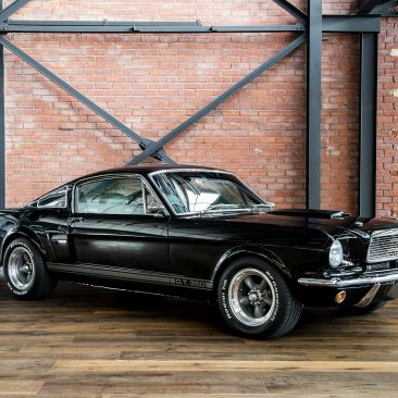 Shelby mustang gt350 replica black