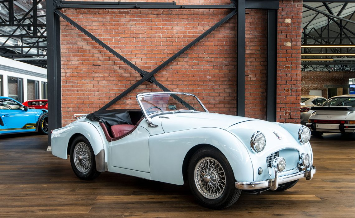 1953 Triumph TR2 baby blue