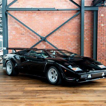 1985 Lamborghini Countach 5000qv black