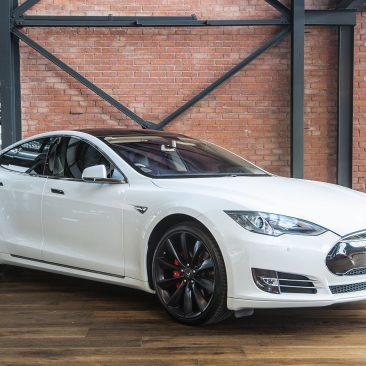 2014 Tesla Model S P85 Sportback
