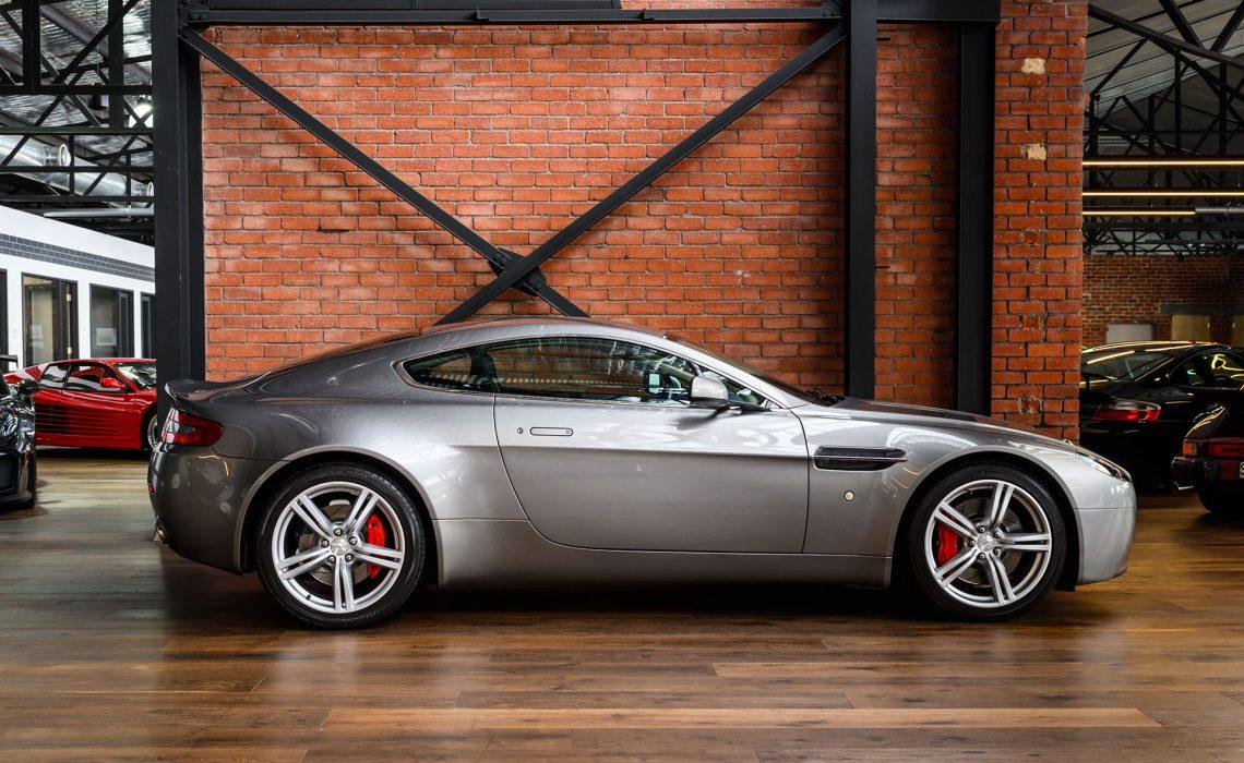 2008 Aston Martin V8 Vantage 4.7 (MY09)