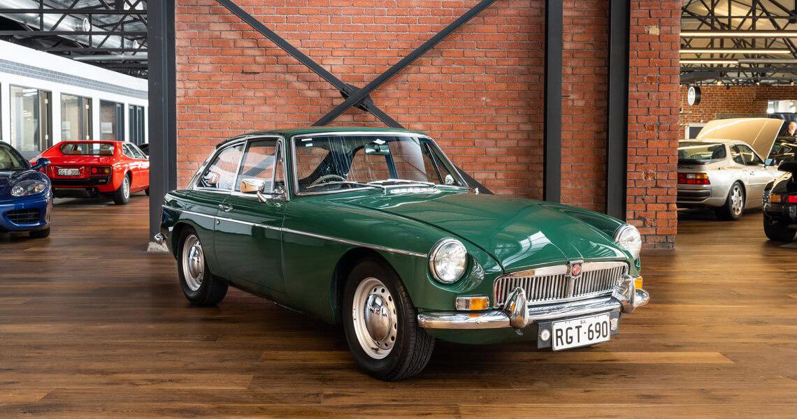 1969 MGBGT Mk2 + o/drive